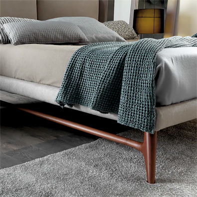 Bolzan Kate Bed, Dorian base detail