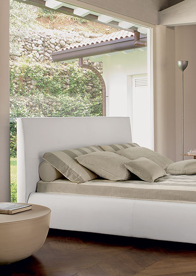 Bonaldo Bloom bed detail