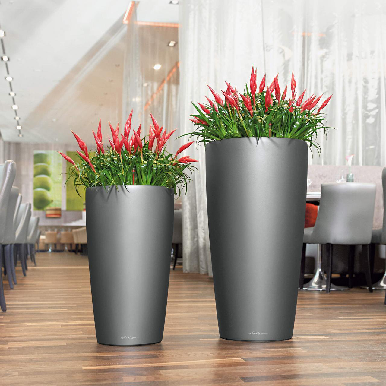 Lechuza Rondo Planter in metallic charcoal
