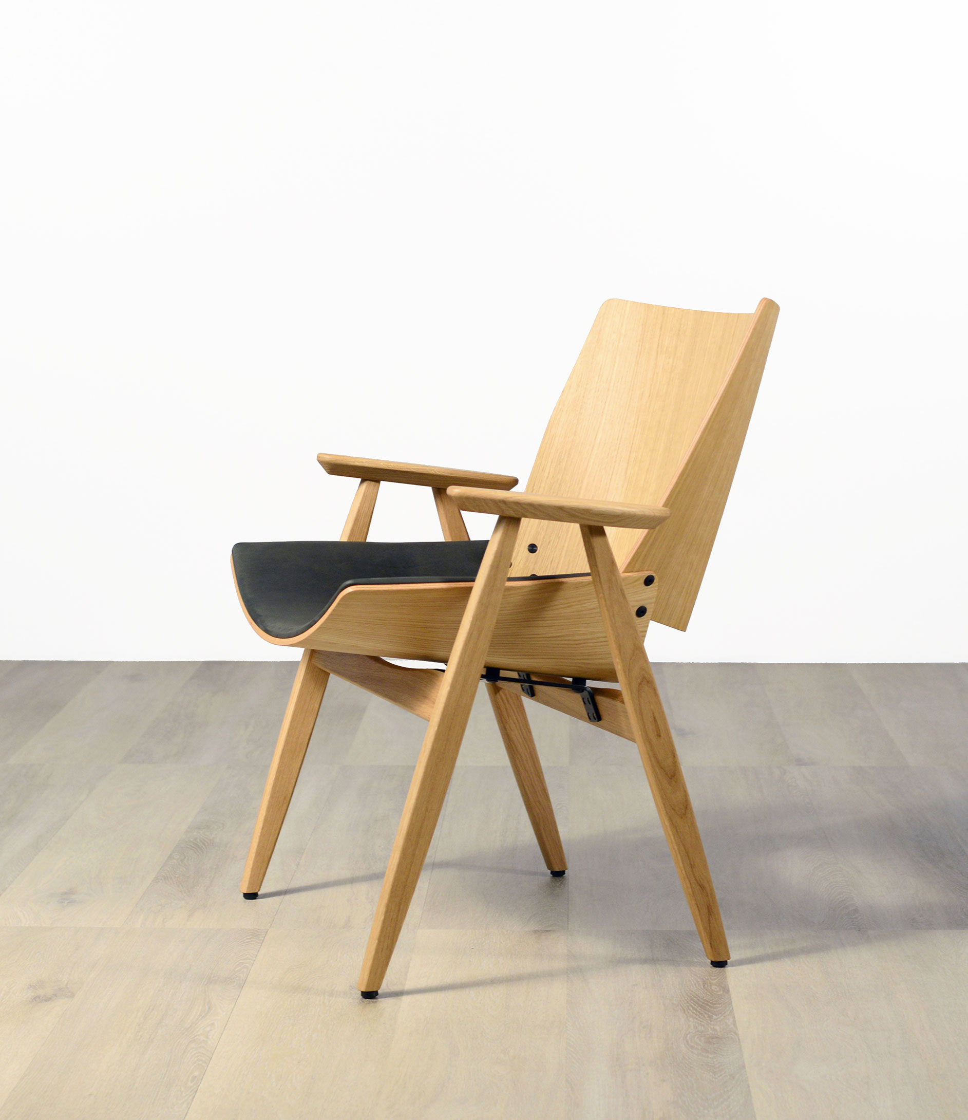 Rex Shell Wood Lounge Chair