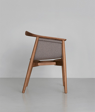 Zeitraum Pelle Chair Walnut