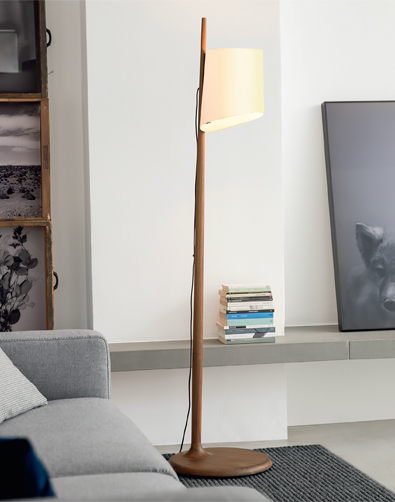Porada Stick Lamp in solid Walnut